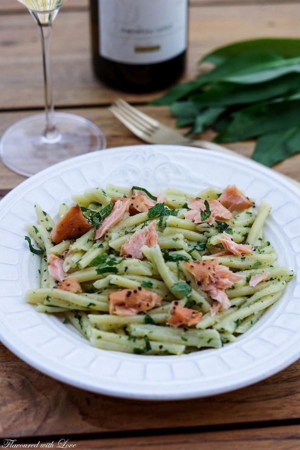 Rezept Casarecce mit Bärlauch-Minz-Pesto und Lachs