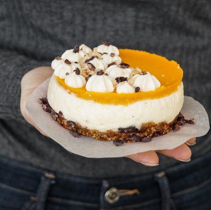 Rezept Cashew-Kokosnuss-Cheesecake mit einem Zitrusfrüchte-Topping