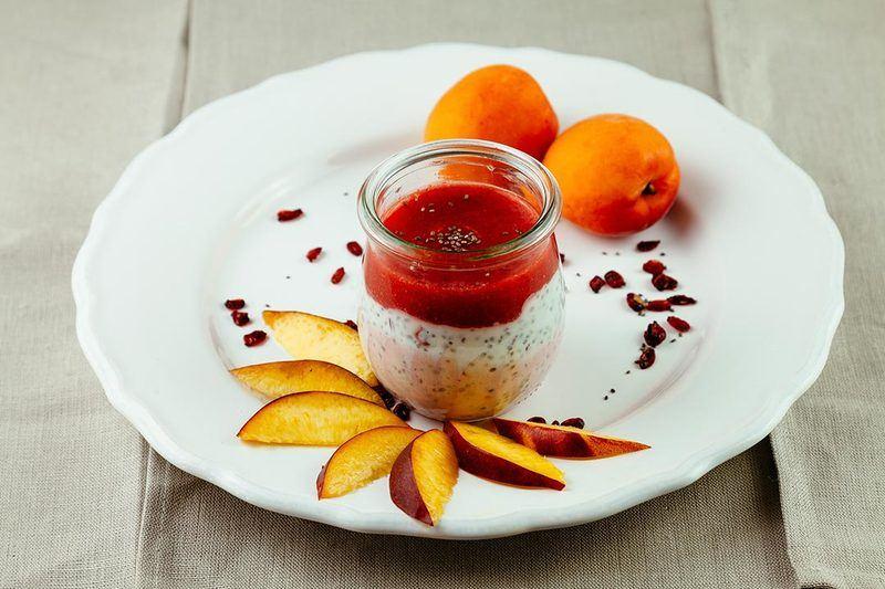 Rezept Chia-Pudding mit Beerenmus - Lecker und schnell frühstücken