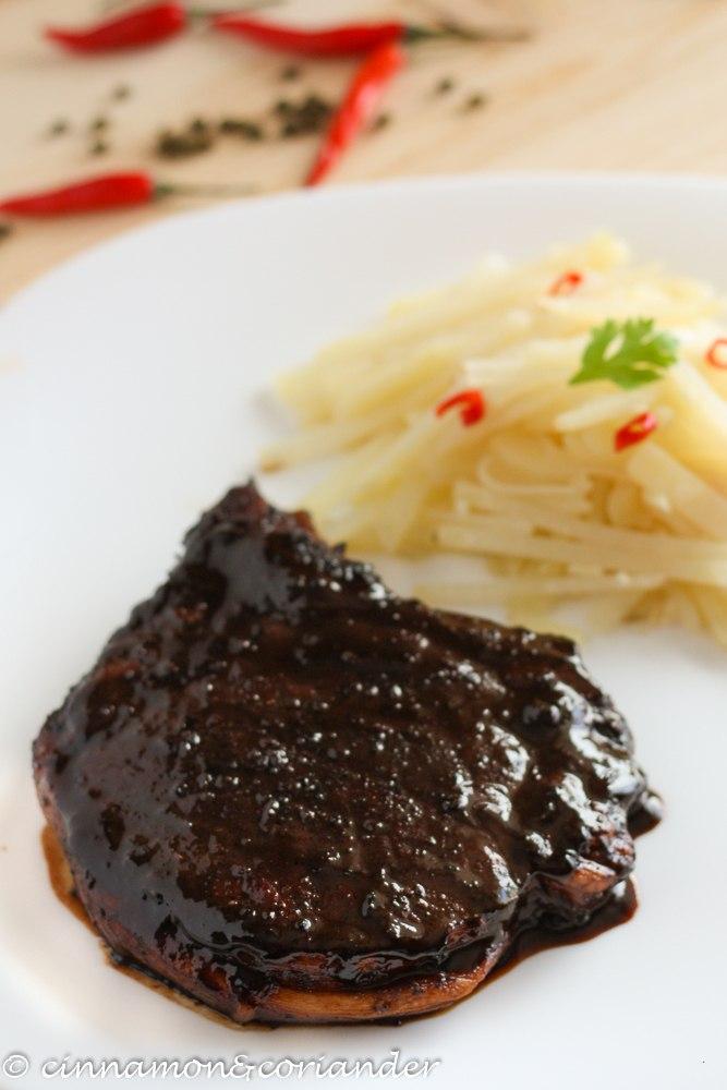 Rezept Chinesische Schweinekoteletts mit scharfem Szechuan-Kartoffelsalat