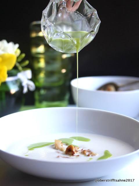 Rezept Cremige Blumenkohlsuppe mit Nüssen und Petersilienöl