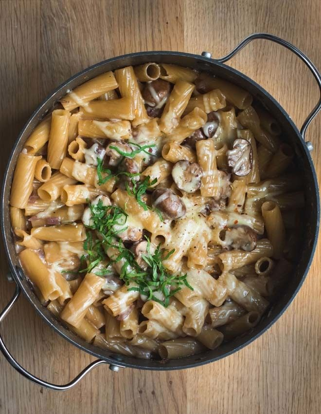Rezept Cremige One Pot Pasta mit Pilzen und karamellisierten Zwiebeln