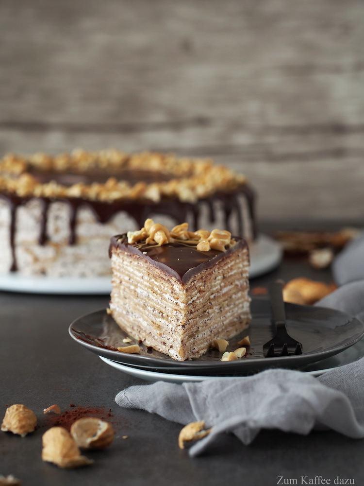 Rezept Crêpe-Torte mit Zartbitterschokolade und Erdnüssen