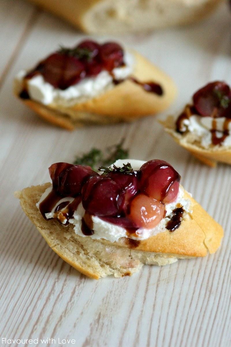Rezept Crostini mit Ziegenkäse und karamellisierten Weintrauben