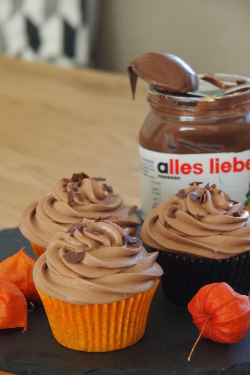 Rezept Cupcakes mit Haselnusssponge und Nutellafrosting