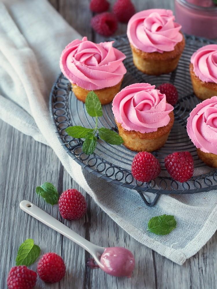 Rezept Cupcakes mit Himbeer-Curd-Füllung