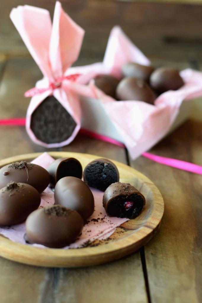 Rezept Die legendären OREO-Pralinen aus 3 Zutaten zu Ostern in Ei-Form