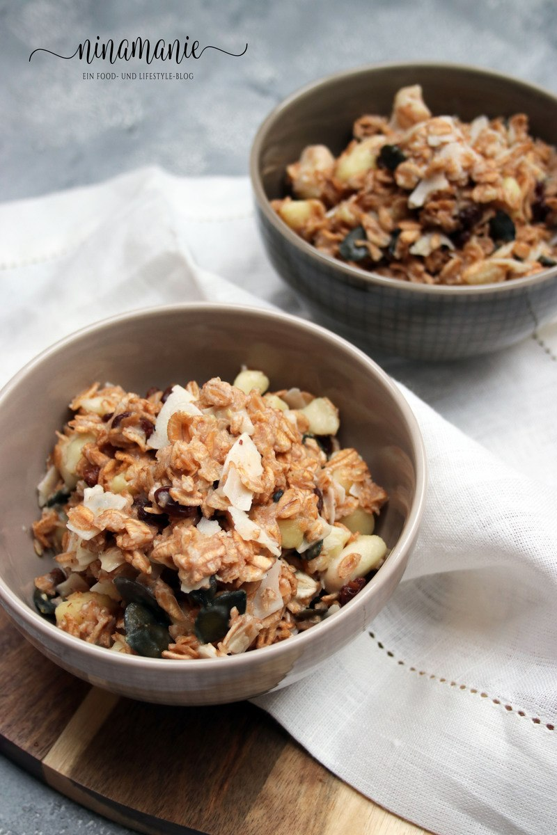 Rezept Dinkel-Porridge mit Apfel, Kokos-Chips und Rosinen