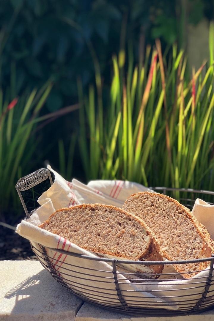 Rezept Dinkel-Vollkorn-Brot mit Honig, Nüssen und Rosmarin