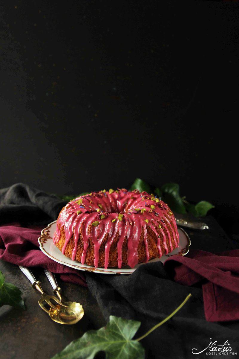 Rezept Duftiger Gugelhupf mit Rose & Hibiskus