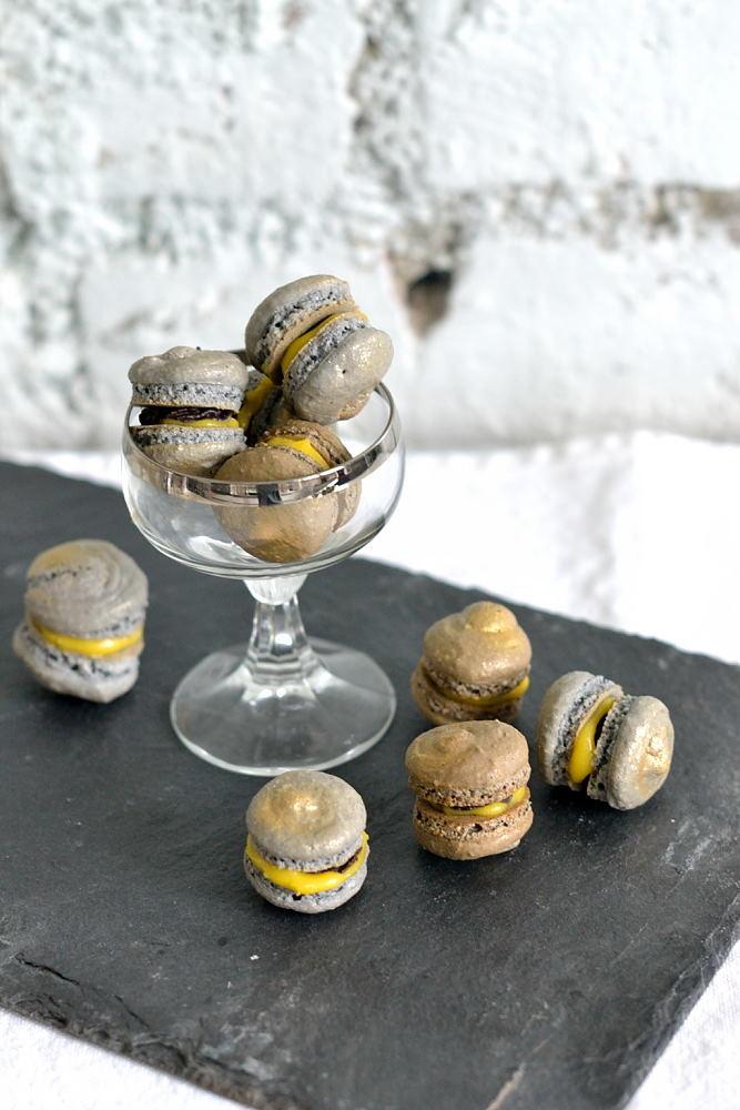 Rezept Eierlikör-Macarons mit Zartbitterschokolade