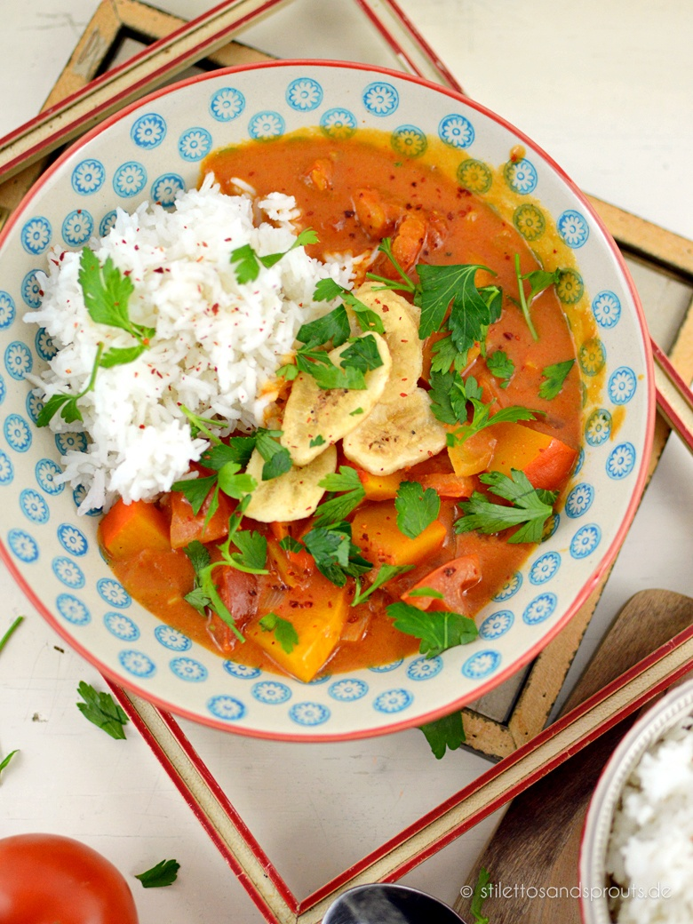 Rezept Einfaches Kürbis-Curry mit Erdnussbutter und Kokosnussmilch