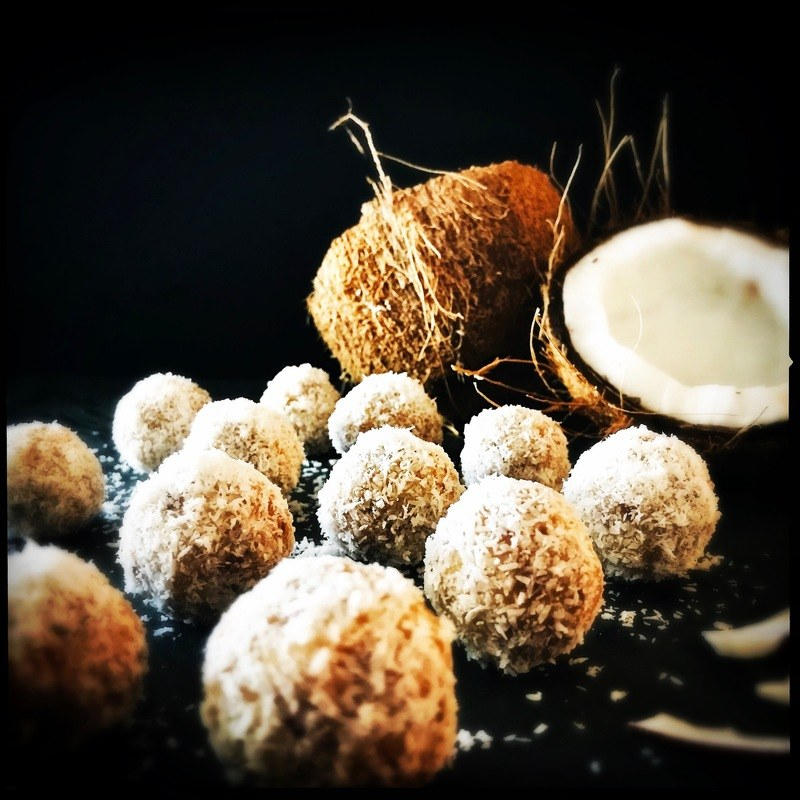 Rezept Eisgekühlte Kokosbällchen oder die gesündesten Pralinen der Welt