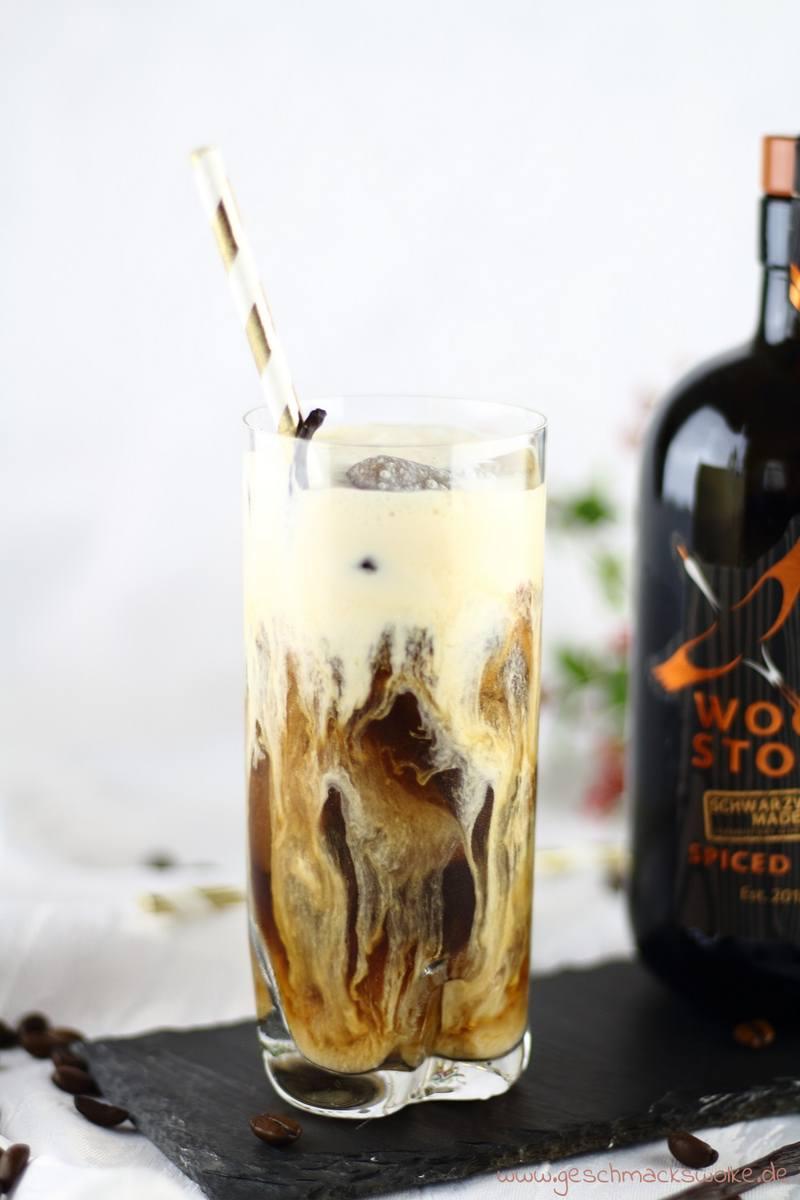 Rezept Eisgekühlter Kaffee-Cocktail mit Rum & Vanilleeis