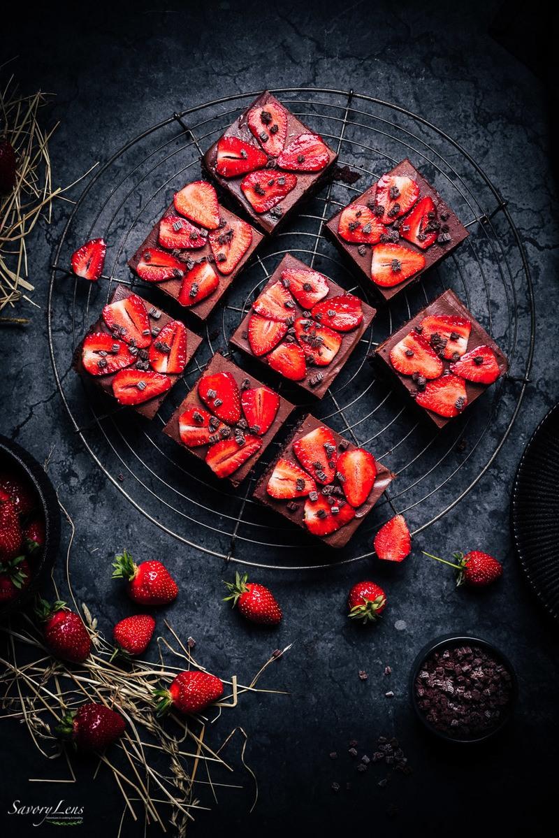 Rezept Erdbeer-Brownies mit Schokoladen-Ganache