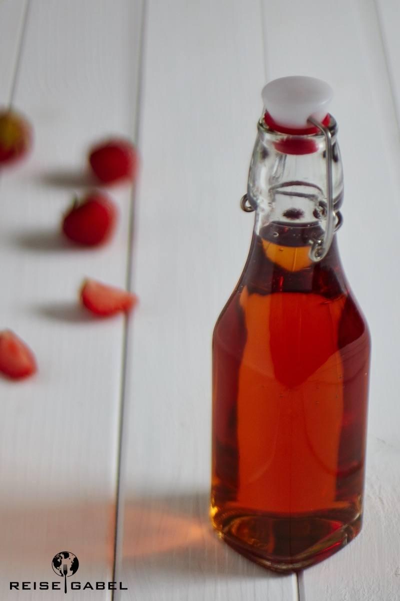 Rezept Erdbeer-Rhabarber-Wodka selbstgemacht
