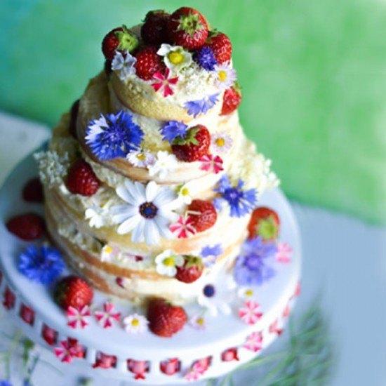 Rezept Erdbeertorte mit Mandelsahnecreme - Anniversary Cake