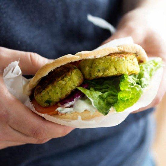 Rezept Falafel mit Pita und Krautsalat