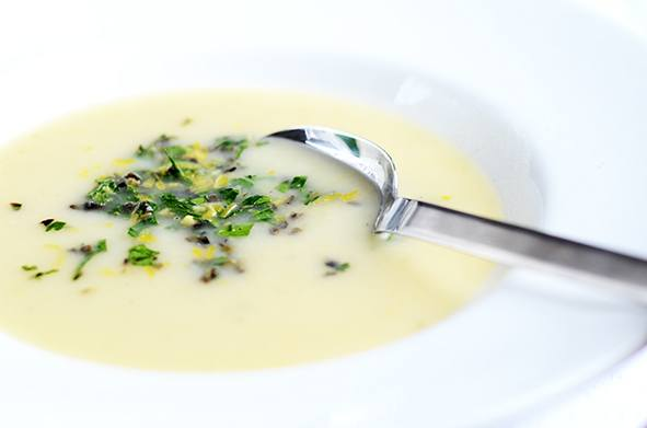 Rezept Fenchel-Zitronen-Suppe mit Oliven-Gremolata
