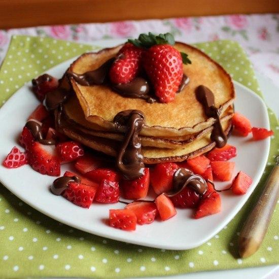 Rezept Fluffige Pancakes mit Erdbeeren