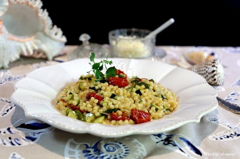 Rezept Fregola con zucchini e pomodorini confit