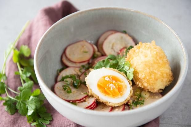 Rezept Frittierte Eier mit Radieschen-Salat