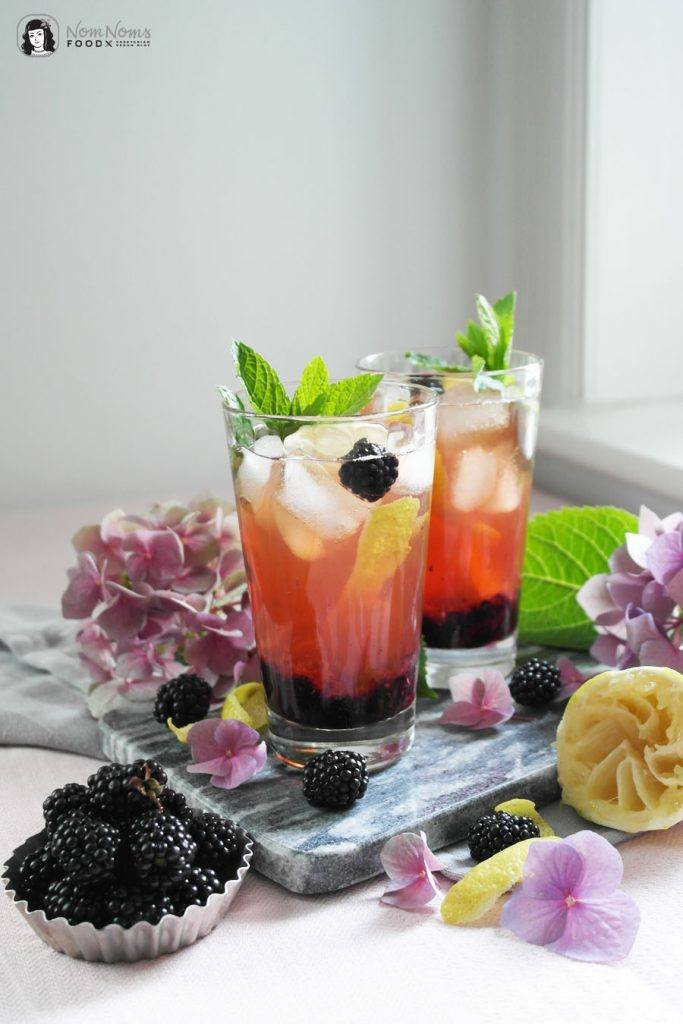 Rezept Fruchtig-beerige alkoholfreie Brombeer-Eistee-Bowle
