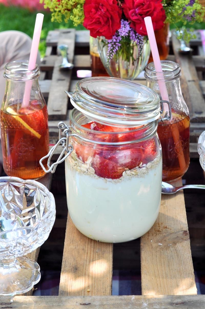 Rezept Fruchtiger Erdbeer-Joghurt mit Mandeln