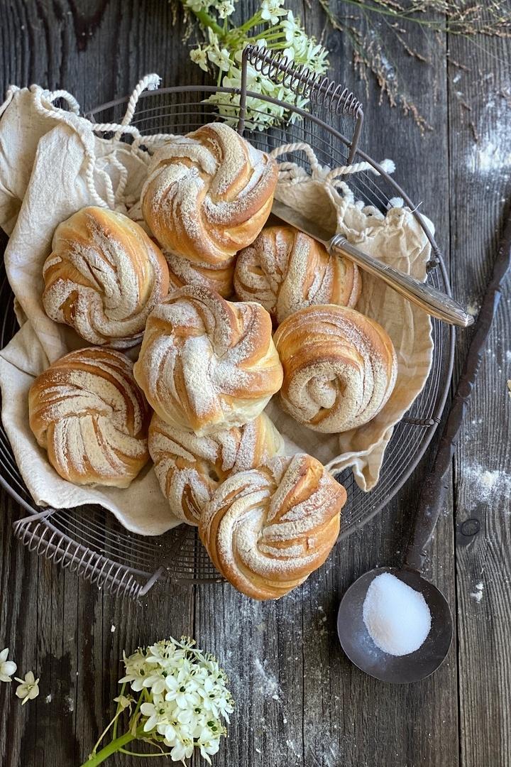 Rezept Frühstücksbrötchen knusprig & raffiniert