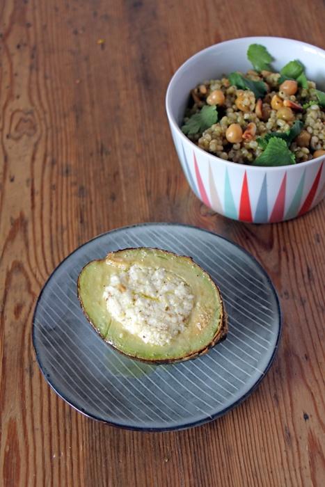 Rezept Gebackene Avocado & Mograbieh
