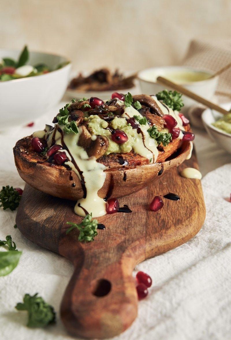 Rezept Gebackene Süßkartoffel mit Avocadocreme und Champignons