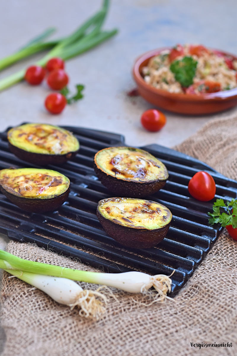 Rezept Gegrillte Avocado mit Mozzarella und Zartweizensalat