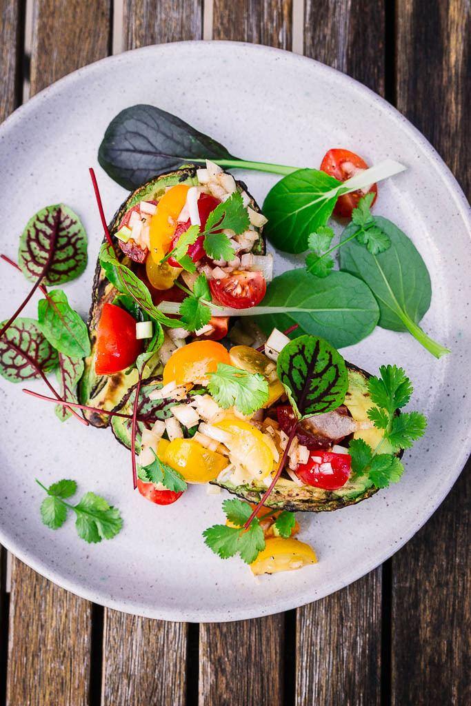 Rezept Gegrillte Avocado mit Tomatensalsa