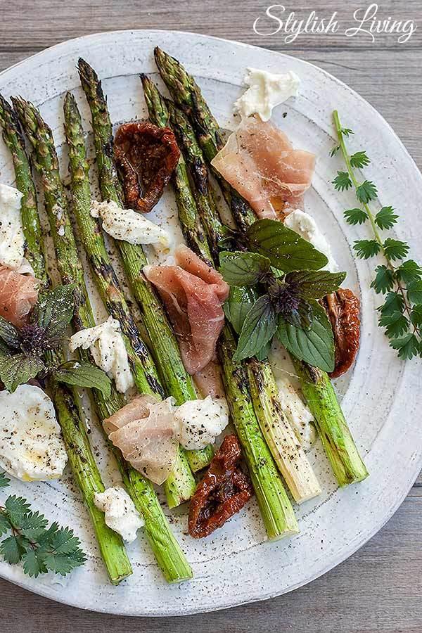 Rezept  Gegrillter Spargel mit Büffelmozzarella und Parmaschinken