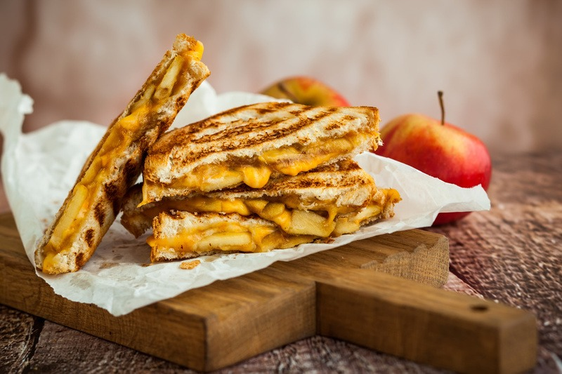 Rezept Gegrilltes Apfel-Käse-Sandwich