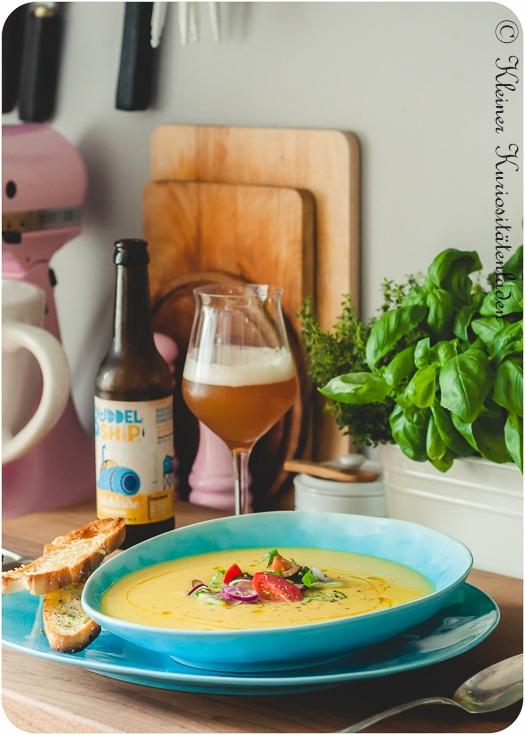Rezept Gelbe Tomaten-Paprikasuppe mit Brotchips