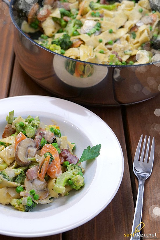 Rezept Gemüse-Nudelpfanne mit Speck