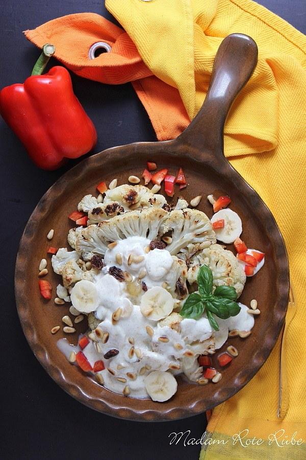 Rezept Gerösteter Blumenkohlsalat mit Banane, Limette und Pinienkerne