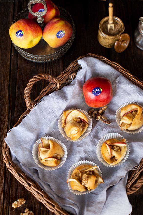Rezept Gewickelte Apfel Muffins Rezept mit Honig & Walnüssen