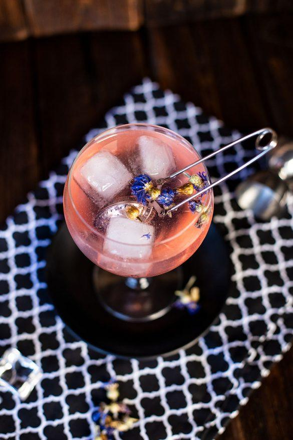 Rezept Gin Tonic mit Tee Infuser Rezept - erfrischender Sommerdrink mit Kick