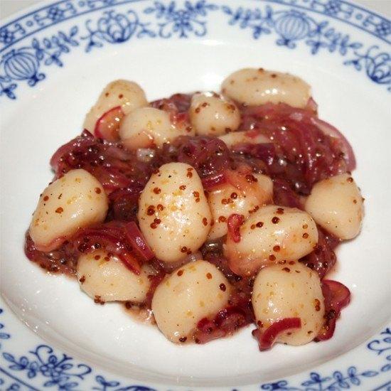 Rezept Gnocchi mit Honig-Zwiebel-Senf-Sauce