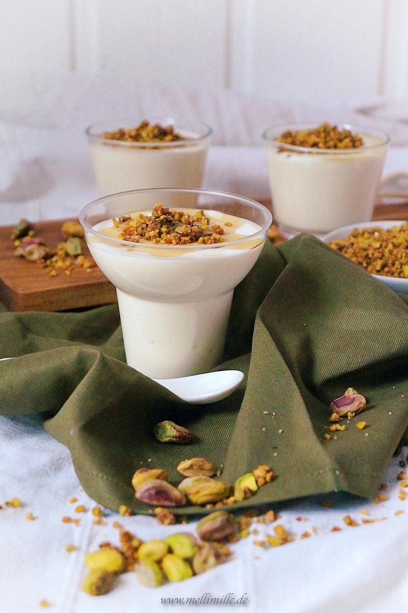 Rezept Griechisches Joghurtmousse mit Pistaziencrunch