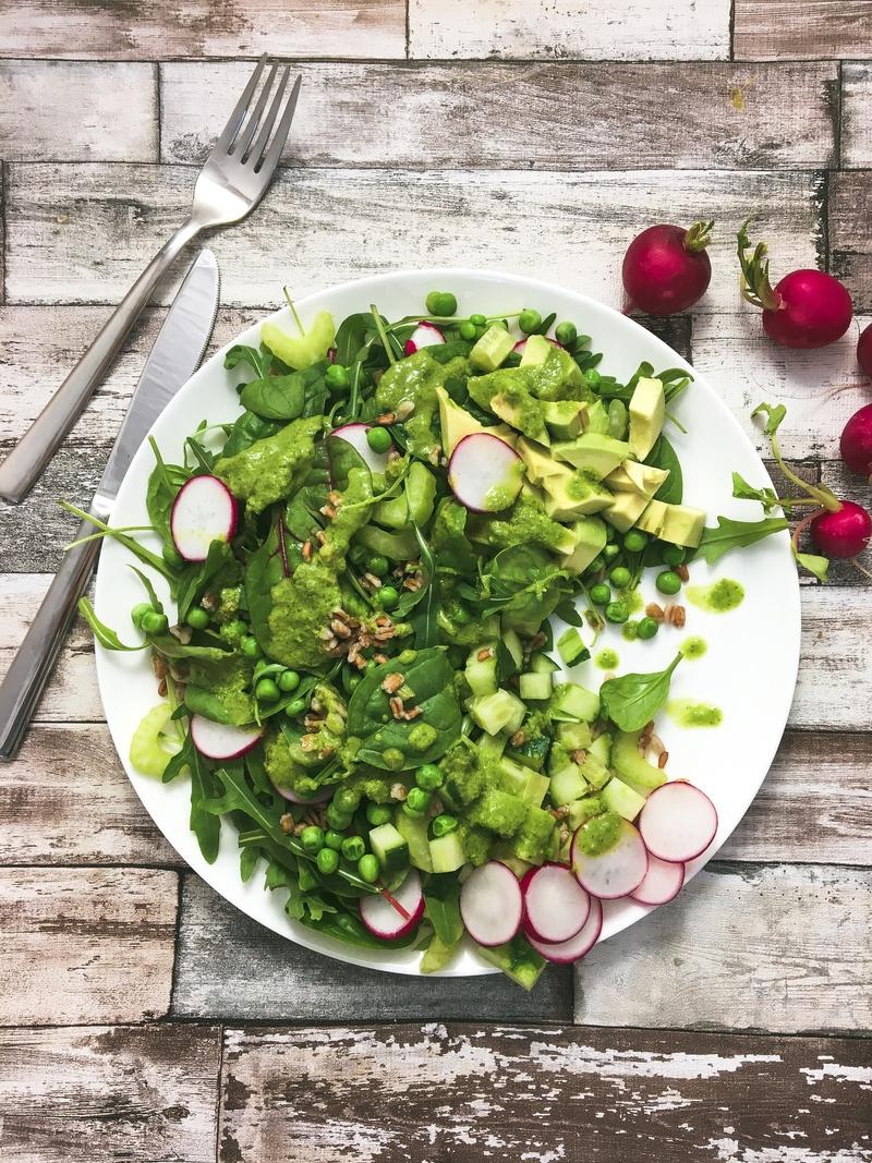 Rezept Grüner Salat mit Dinkel und Basilikumdressing