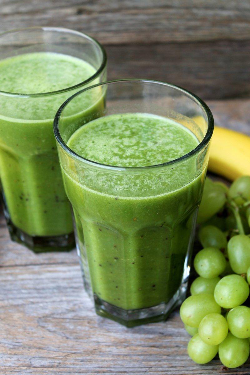Rezept Grüner Smoothie mit Orange-Banane-Kiwi und Gerstengraspulver