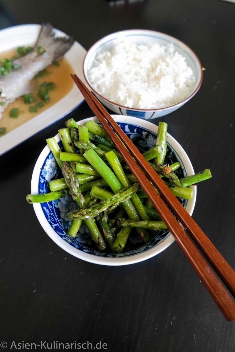 Rezept Grüner Spargel mit schwarzen Bohnen