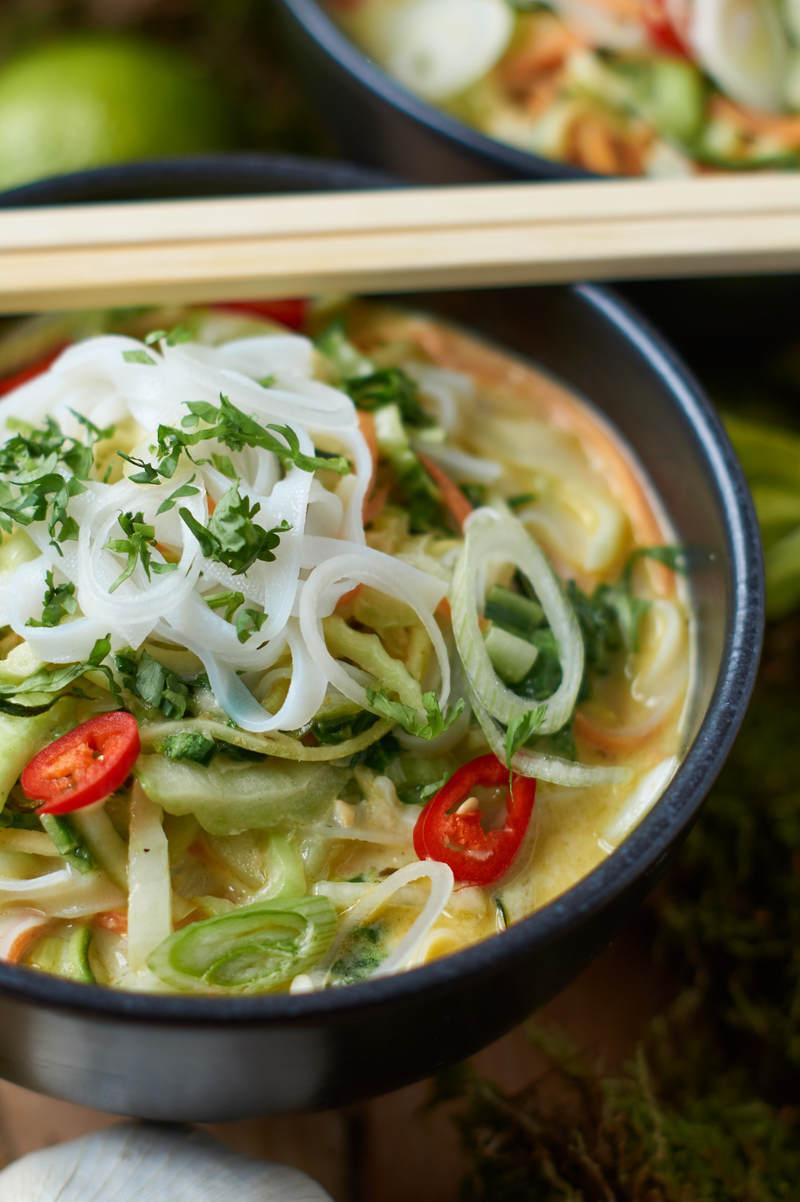 Rezept Grünes Thai Curry mit Zucchini Möhren und Pak Choi