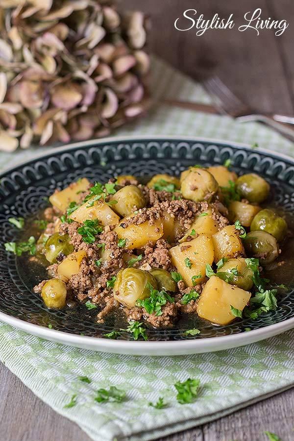 Rezept Hackfleisch-Rosenkohl-Pfanne mit Kartoffeln
