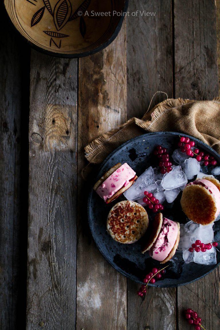 Rezept HAUSA MASA REISKUCHEN & ROTE JOHANNISBEERE EIS SANDWICHES