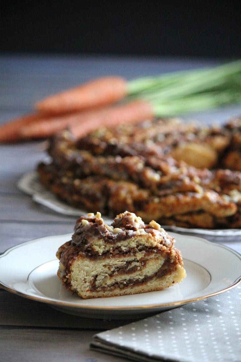 Rezept Hefekranz mit Karotten-Nuss-Füllung