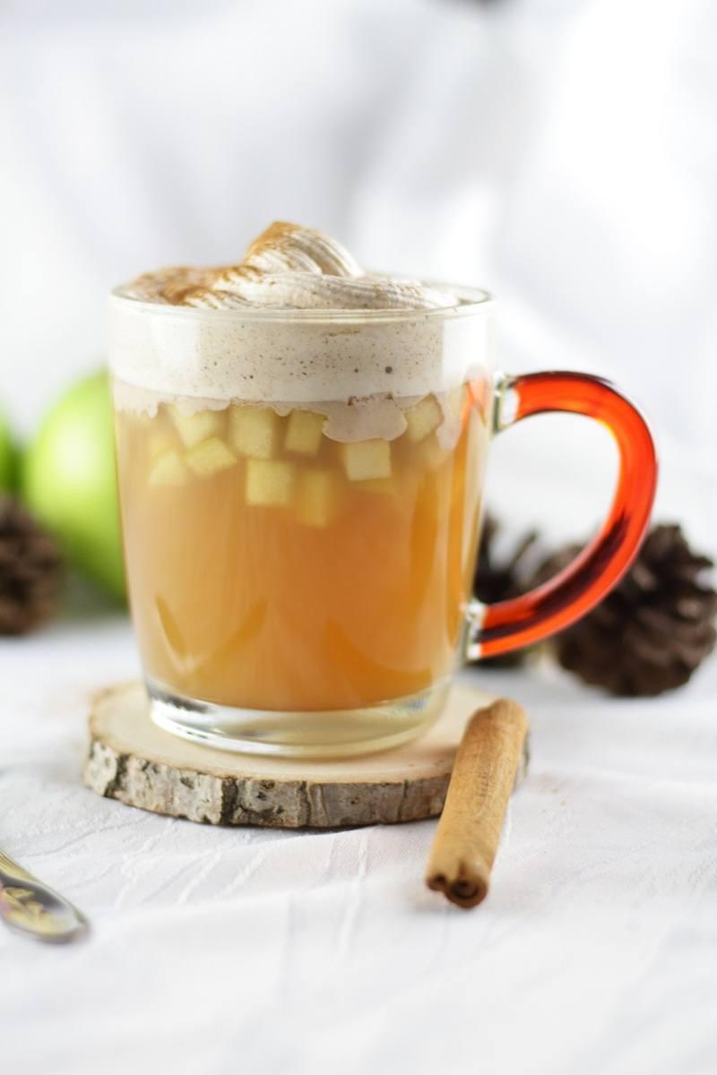 Rezept Heißer Apfelpunsch mit Vanille-Zimt-Sahne